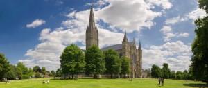 summer-panorama-at-salisbury-cathedral